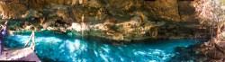 Plongée sous-marine au cénote Dos Ojos au Mexique