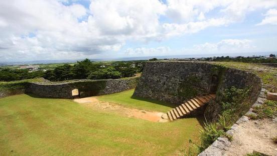 Wherejapan เที่ยวญี่ปุ่นไปไหนดี ซากปราสาทซาคิมิ (Zakimi Castle Ruins)