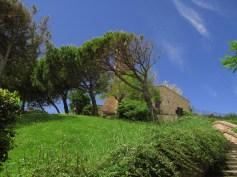 Fiorenzuola di Focara: the old church
