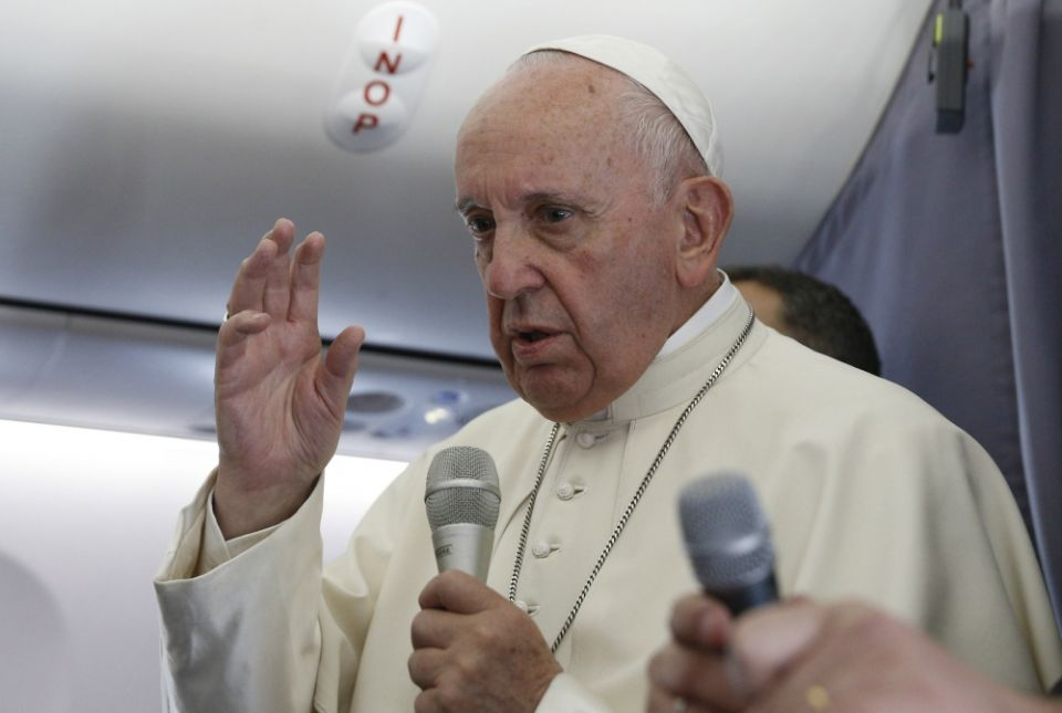 In-Flight presser from Romania: Francis on Tradition and Benedict