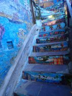 Even the stairs are painted in Valpo!