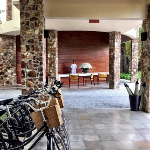Amansara entrance