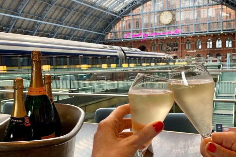 Searcys champagne bar st Pancras station
