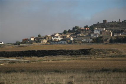 Hillside village between Huesca and Ejea