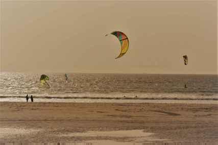 kites-at-playa-de-los-lances-tarifa-1b-blog