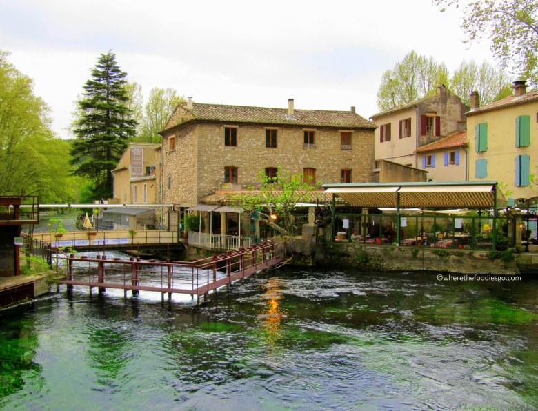 fontaine-de-vaucluse-wherethefoodiesgo-com