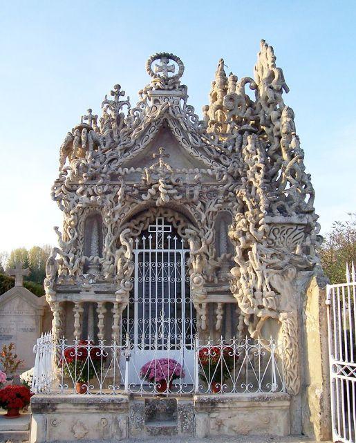 Cheval's mausoleum