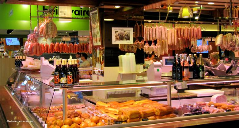 les halles Lyon - where the foodies go6