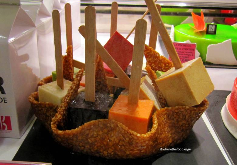 les halles Lyon - where the foodies go8