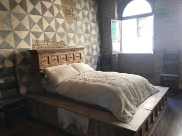 Romeo & Juliet movie prop on display at Casa di Giulietta