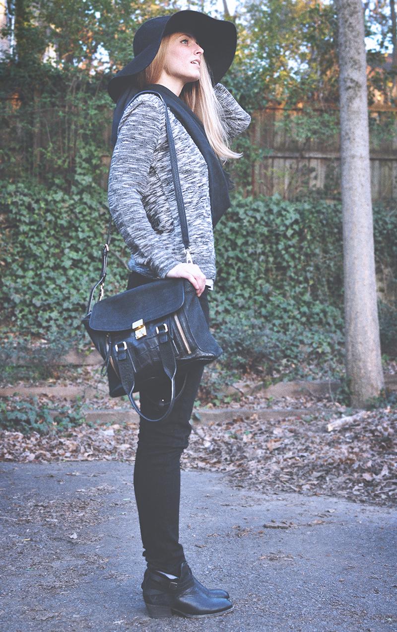 Lou & Grey Spacedye Sweatshirt - Marled Heathered Grey Black White Pepper Spaceslub - Paige Skyline Skinny Jeans Black Ink