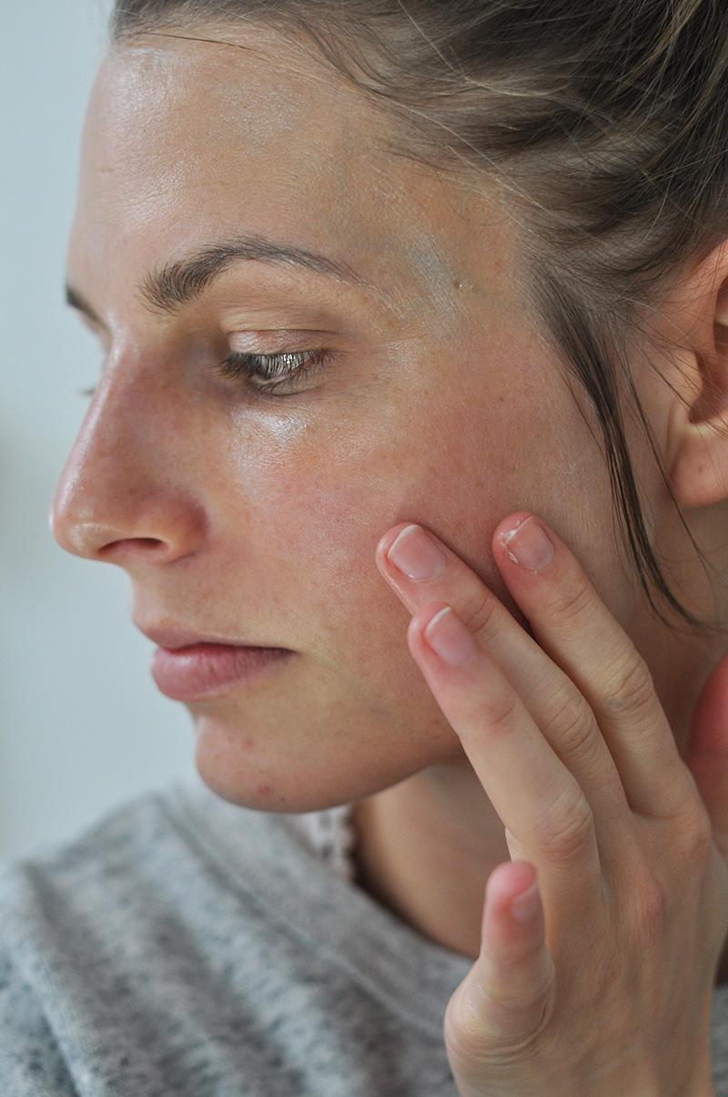 Osea-Malibu-skincare-blogger-review-starter-set-white-algae-mask