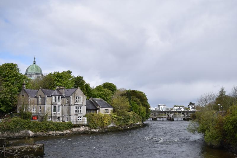 The-River-Corrib-Walk-in-Galway-City-Ireland
