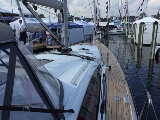 Jeanneau 57 Starboard Side Deck