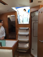 Jeanneau Sun Odyssey 389 Companionway
