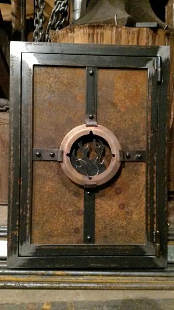small access door (fire)
