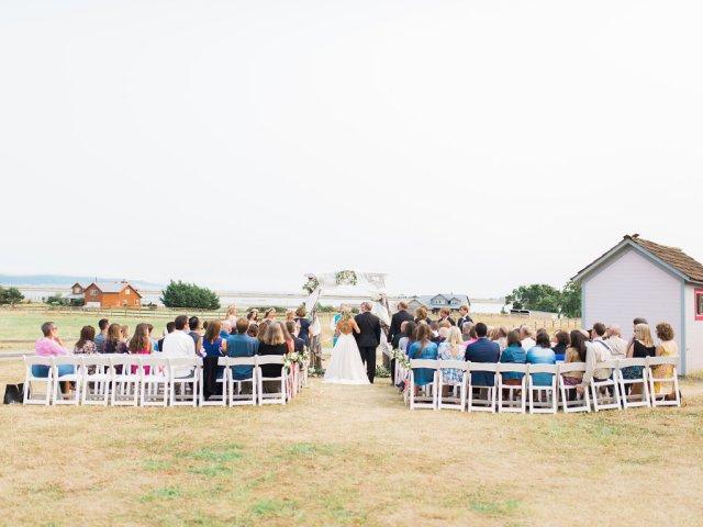 Dani-Cowan-Photography-Destination-Wedding-Photographer-Whidbey-Island-Crockett-Farms-201