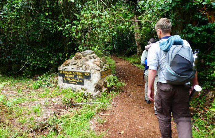 trekking.whileinafrica