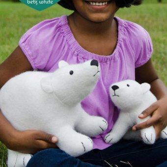 Pattern Review: Polar Bears by Betz White