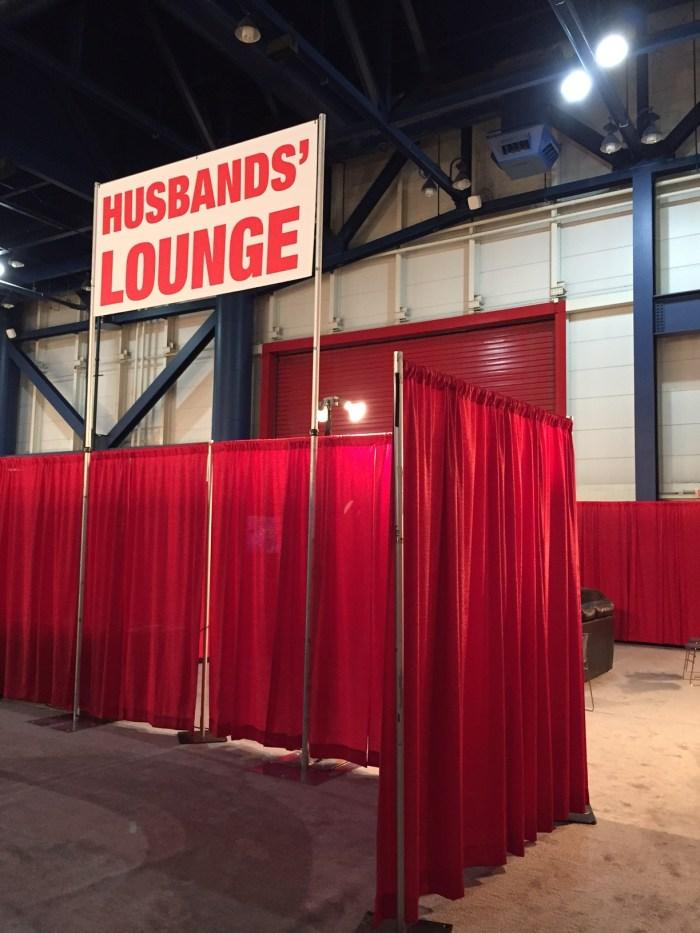 husbands lounge