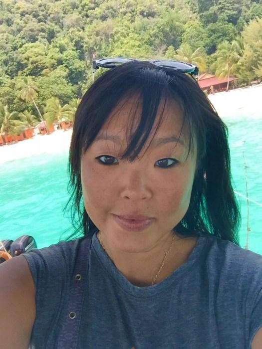 Julie Jewels Wandering Travel Blogger