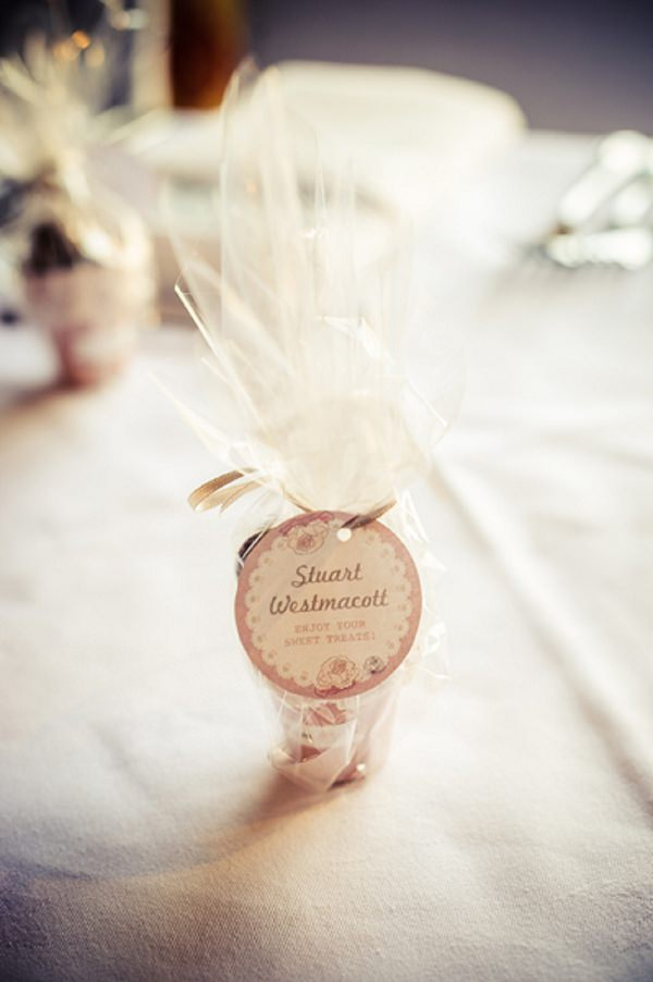 pretty packaging wedding favours
