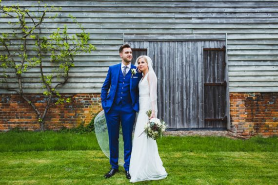 Very Casual Country Barn Wedding http://amybphotography.co.uk/