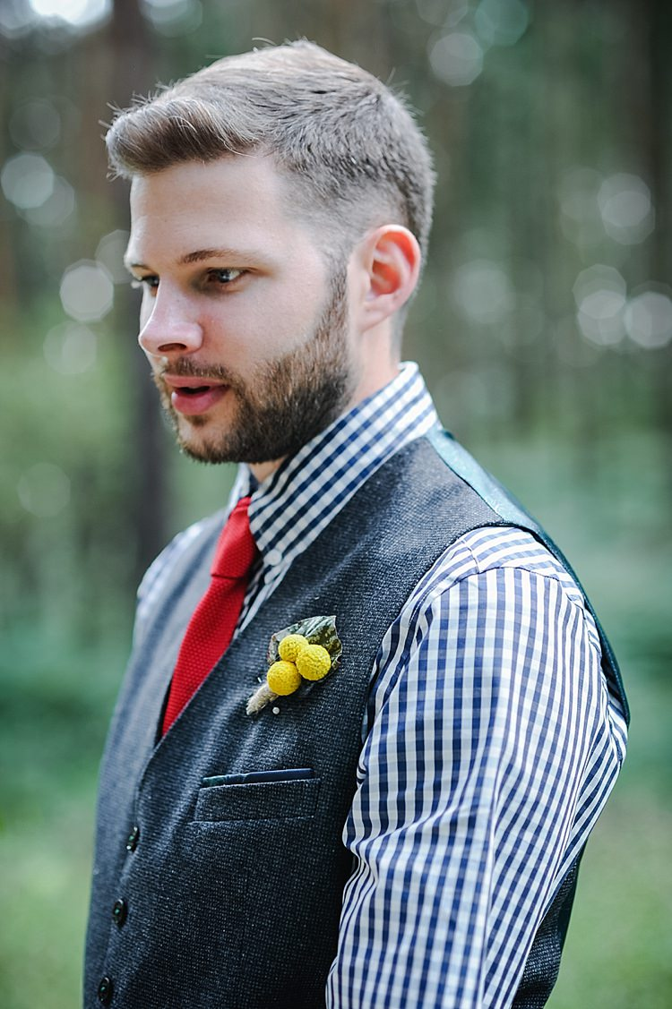 Checked Shirt Red Knitted Tie Groom Billy Ball Buttonhole Beard Our Whimsical Woodland Wedding Ceremony UK http://alexa-loy.com/