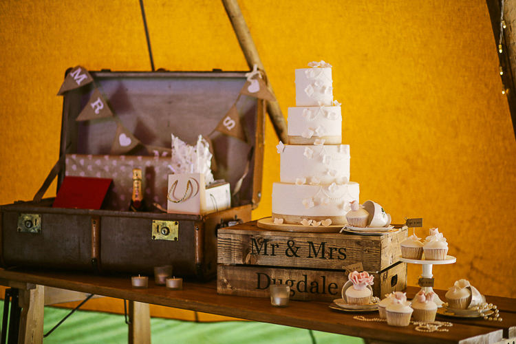 White Petal Cake Table Crate Rustic Laid Back Tipi Wedding http://helenrussellphotography.co.uk/