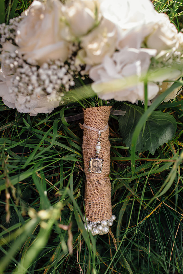 Hessian Rose Bouquet Wrap Photo Home Made Rustic Eclectic Wedding http://www.frecklephotography.co.uk/