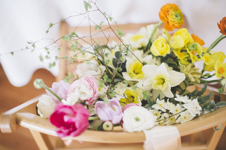 Flowers Tulips Daffodils Spring Time Chic Wedding Ideas http://graceelizabethphotography.com/