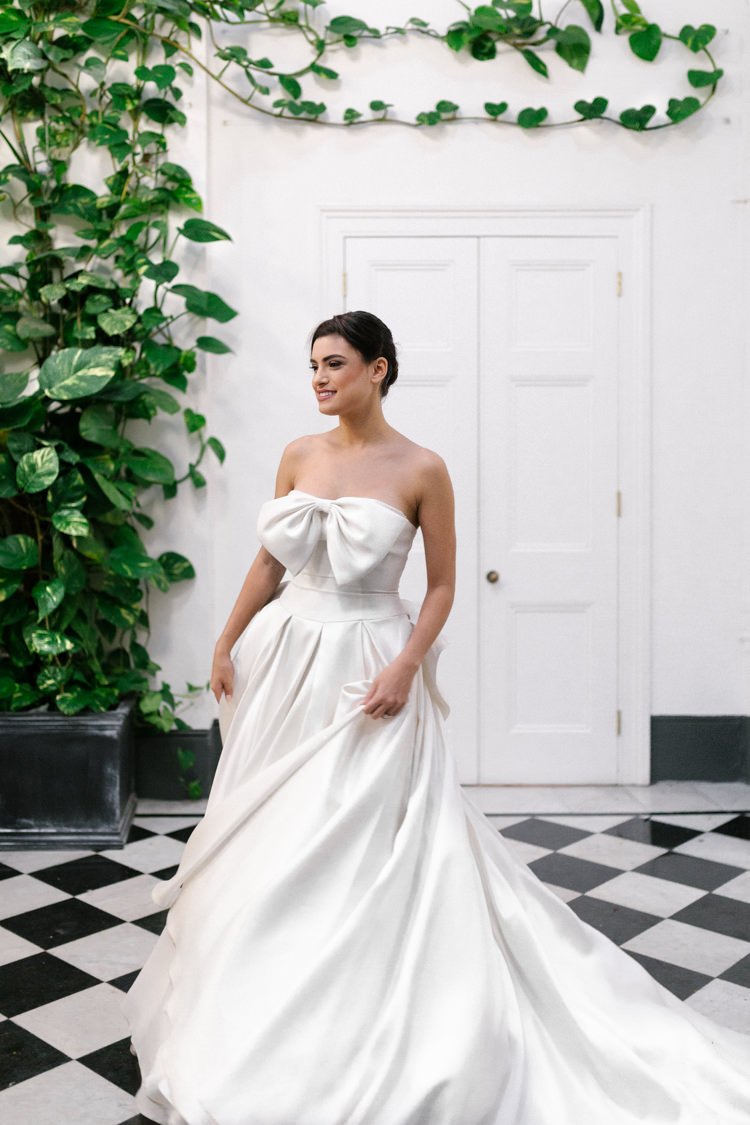 Ritva Westenius Strapless Bow Gown Bride Bridal Dress Modern Fresh Watercolour Wedding Ideas http://www.beatriciphotography.co.uk/