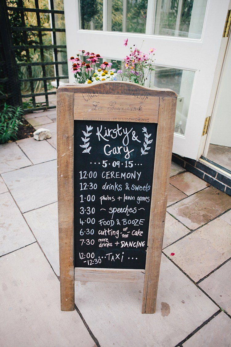 Order of Day Sign Black Chalk Board Rustic Woodland Floral Wedding http://kellyjphotography.co.uk/