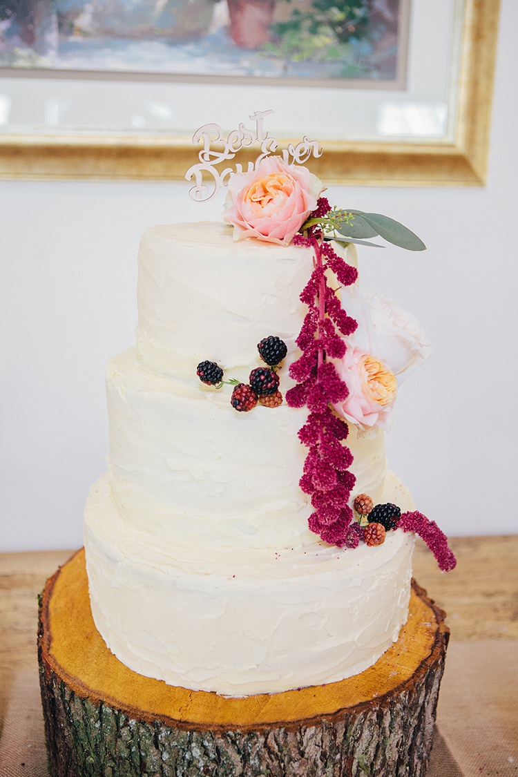 Buttercream Cake Log Stand Flowers Rustic Woodland Floral Wedding http://kellyjphotography.co.uk/