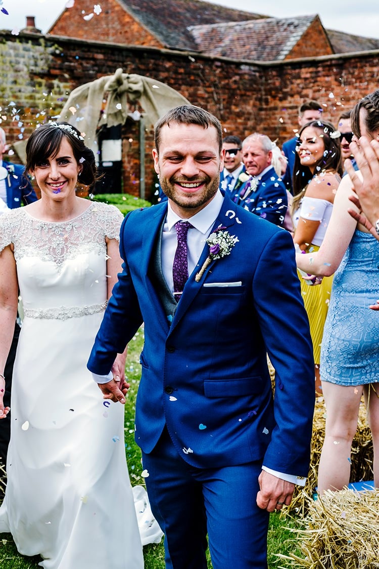 Confetti Throw Rustic Relaxed Country Garden Wedding http://www.dmcclane.com/