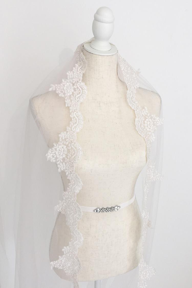 Juana Lace Edge Blush Wedding Veil Britten Weddings