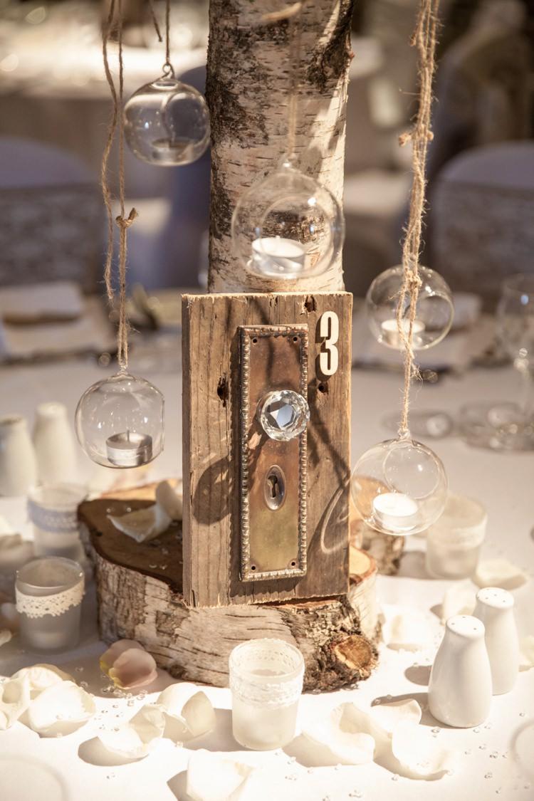 Cosy Winter Barn Wedding http://kerryannduffy.com/