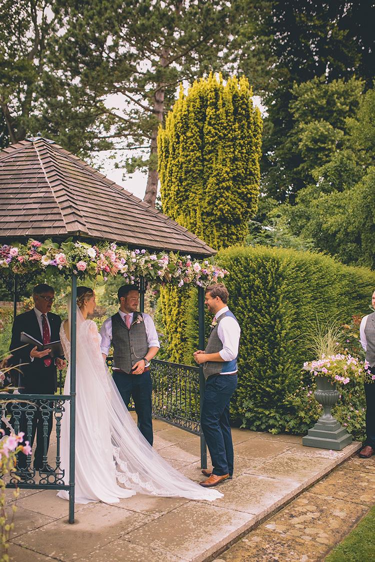 Outdoor Ceremony Garden Kent Swarling Manor Homespun Fun Country Barn Wedding http://storyandcolour.co.uk/