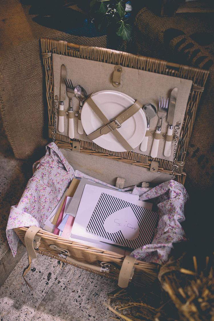 Picnic Hamper Basket Cards Homespun Fun Country Barn Wedding http://storyandcolour.co.uk/