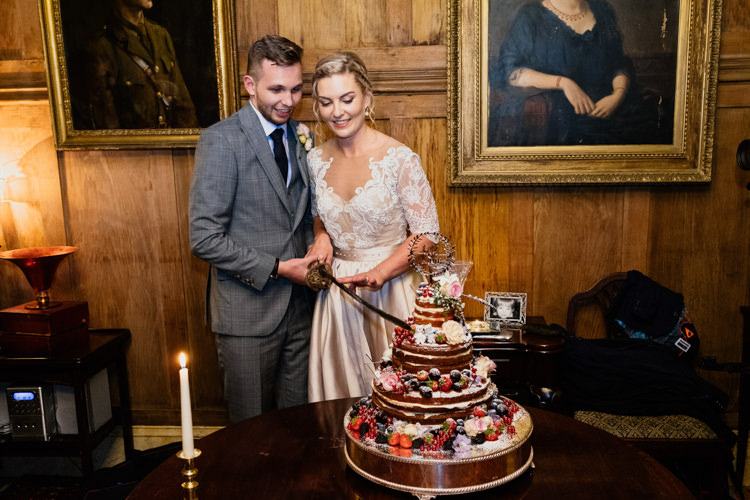 Naked Cake Berries Cake Topper Relaxed Stylish Outdoor Wedding http://www.euanrobertsonweddings.com/