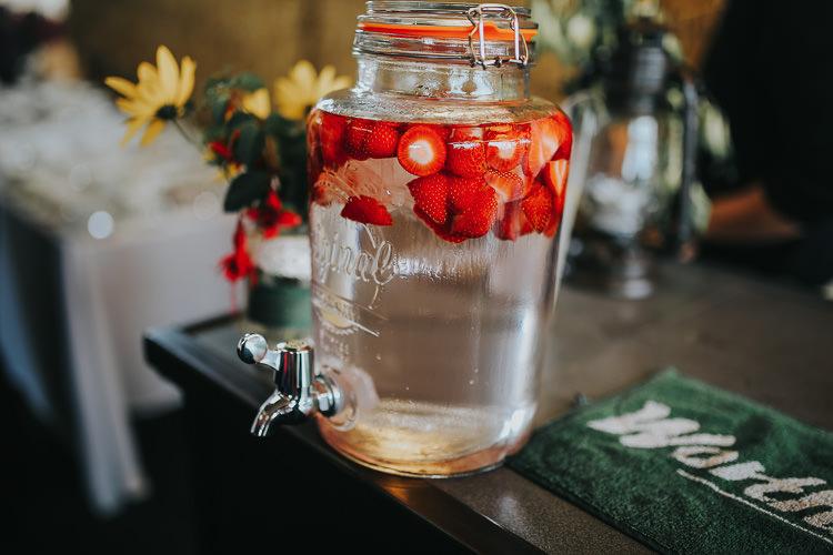 Drinks Dispenser Kilner Bar DIY Farm Weekend Long Wedding http://www.nestalloyd.co.uk/