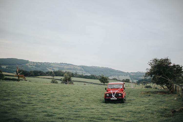 DIY Farm Weekend Long Wedding http://www.nestalloyd.co.uk/