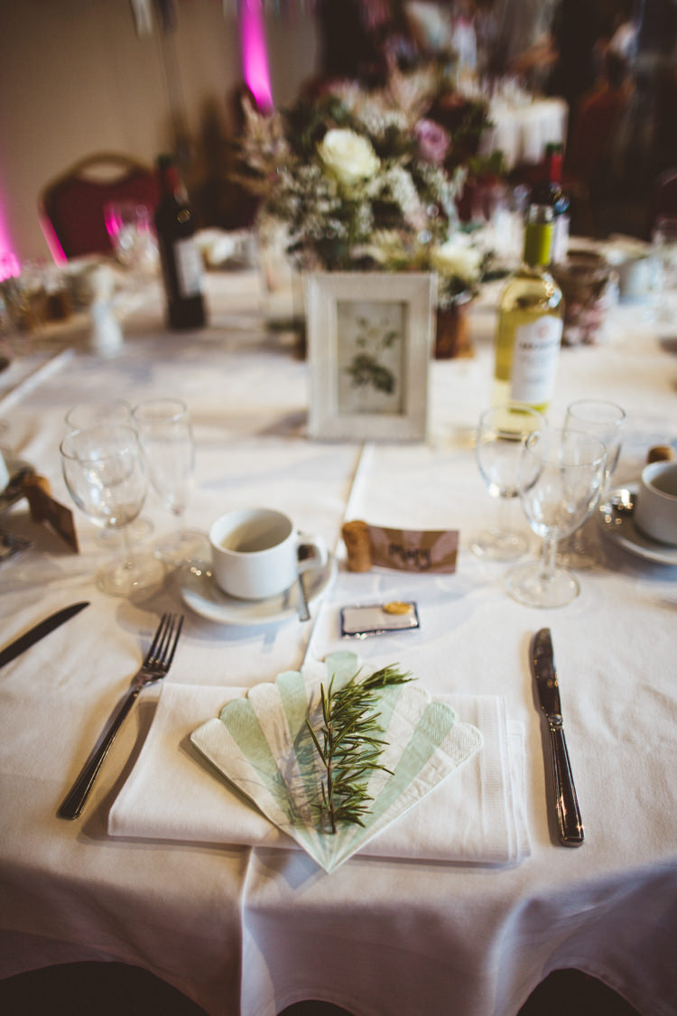 Table Setting Rosemary Napkin Scalloped Industrial Cool Museum Wedding https://photography34.co.uk/