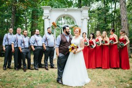 Creative Quirky Rustic Barn Wedding Tennessee http://www.alexbeephoto.com/