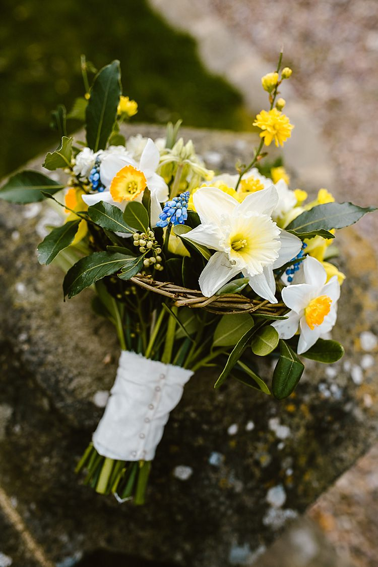 Flowers Bouquet Daffodils Hyacinth Yellow Spring Bride Bridal Flowers Bouquet Daffodils Hyacinth Yellow Spring Bride Bridal Beautiful Countryside Wedding Ideas Inspiration http://www.georginabrewster.com/