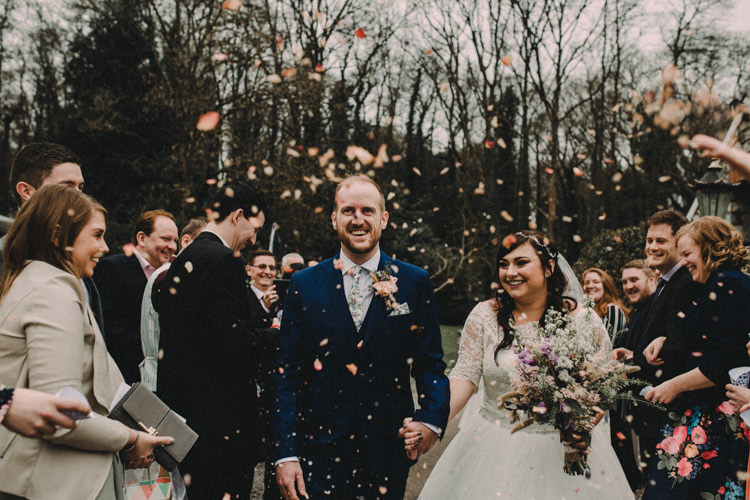 Confetti Throw Woodland Lavender Spring Country Wedding http://www.carlablainphotography.co.uk/