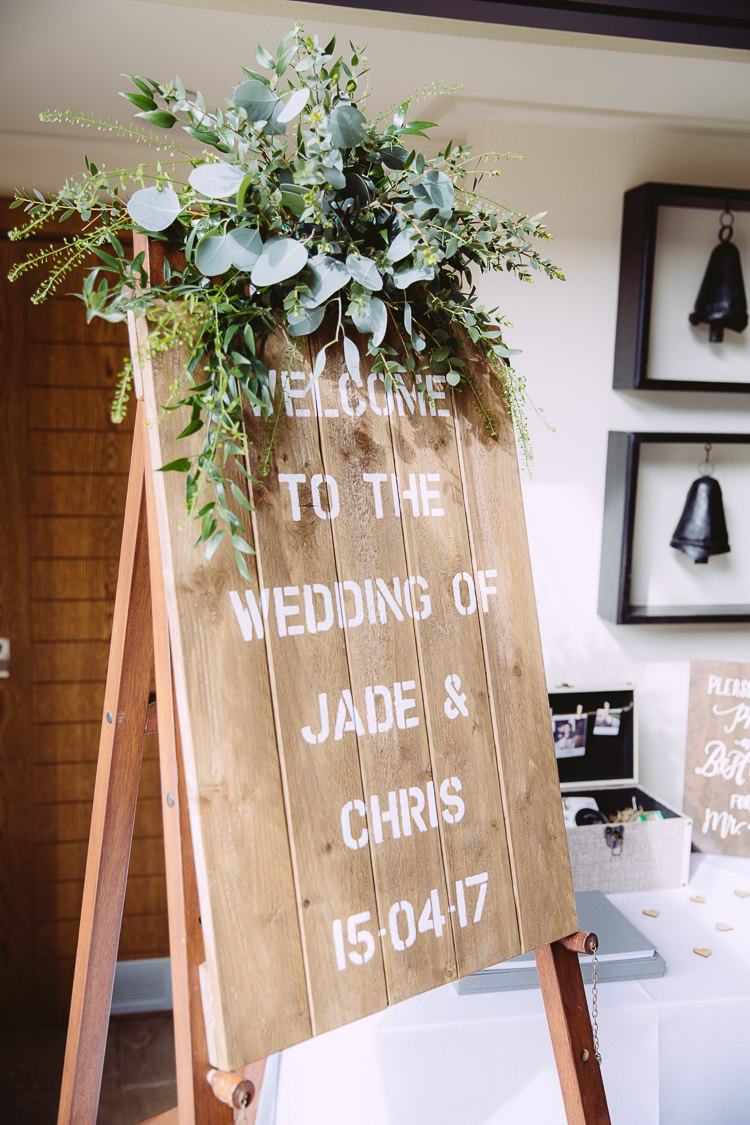 Welcome Sign Wooden Flowers Foliage Greenery Romantic Soft Pastel Pretty Wedding http://hayleybaxterphotography.com/