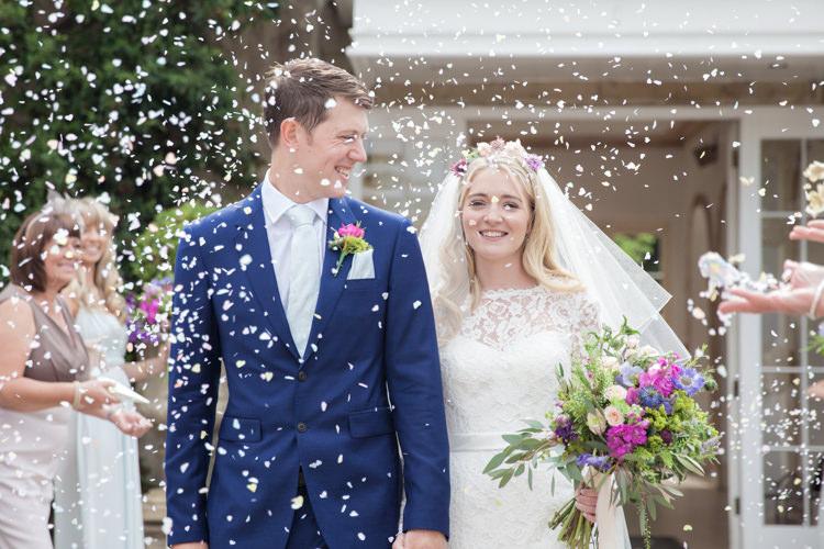 Confetti Throw Bride Groom Summer Festival Country Estate Wedding http://kerryannduffy.com/