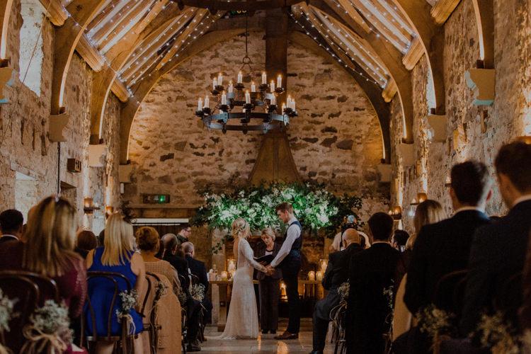 Healey Barn Dreamy Natural Boho Barn Wedding https://heychrisrandle.com/