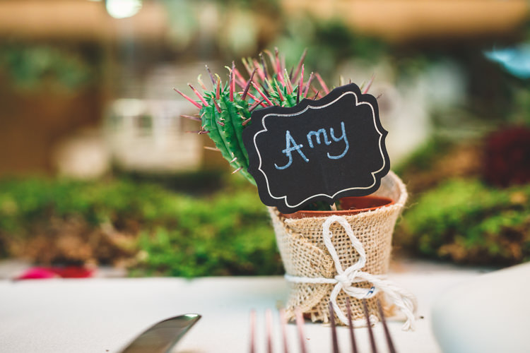 Placecard Name Setting Favour Succulent Chalk Board Hessian String Rustic Barn Red Gold Glam Wedding https://garethnewsteadphotography.com/